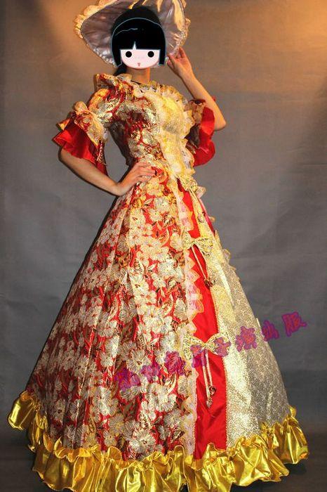 巴洛克风格的女款古典欧式宫廷服以裹胸收腰作为开场白,以巴洛克时代